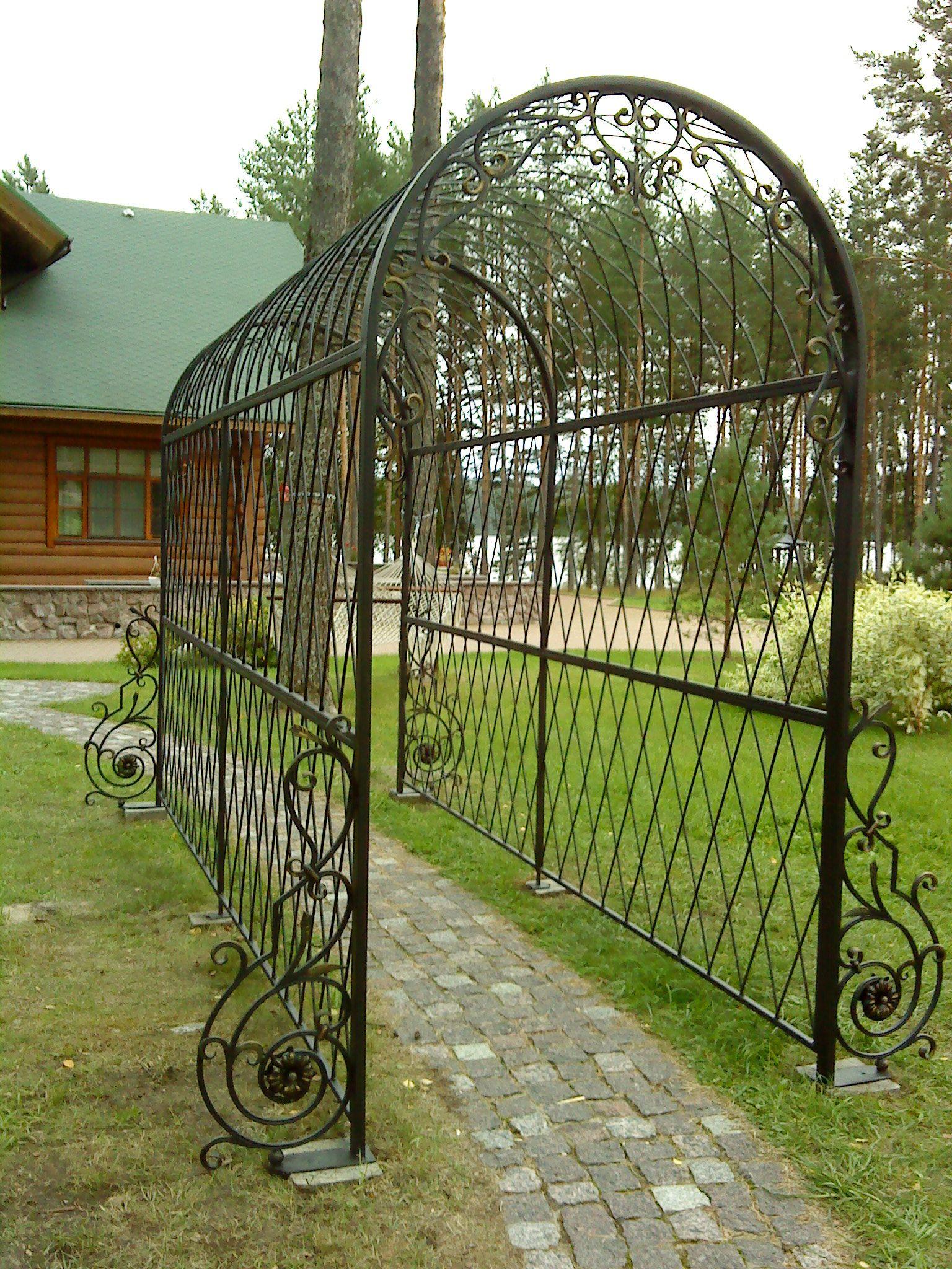 Арка садовая металлическая для вьющихся растений своими руками